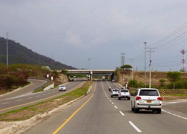 Santos oficializó la entrega de 31,5 km de la Doble calzada Ciénaga-Santa Marta, en el Magdalena