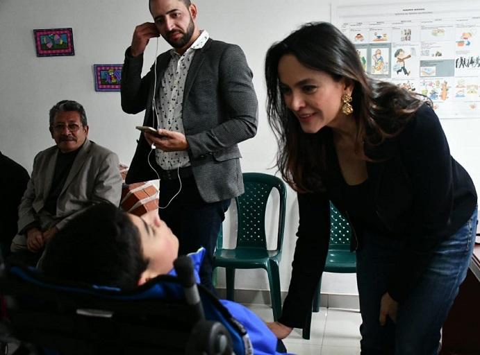 Cartilla de Vargas Lleras sobre Política Pública para la Familia disponible en el sistema de lectura braille