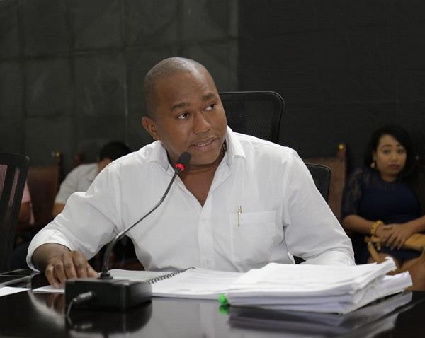 Contralor Departamental del Atlántico, se estaría negando a asistir a la Asamblea a rendir informes. Fue citado con la ley en la mano