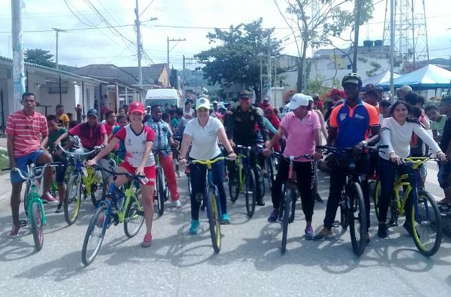 Cicloruta en Luruaco, con el apoyo del Tránsito Departamental, CRA y Policía Atlántico