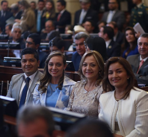 Los nuevos Congresistas del Partido Político MIRA, con la responsabilidad de trabajar en la Reforma Electoral, y combatir la violencia intrafamiliar