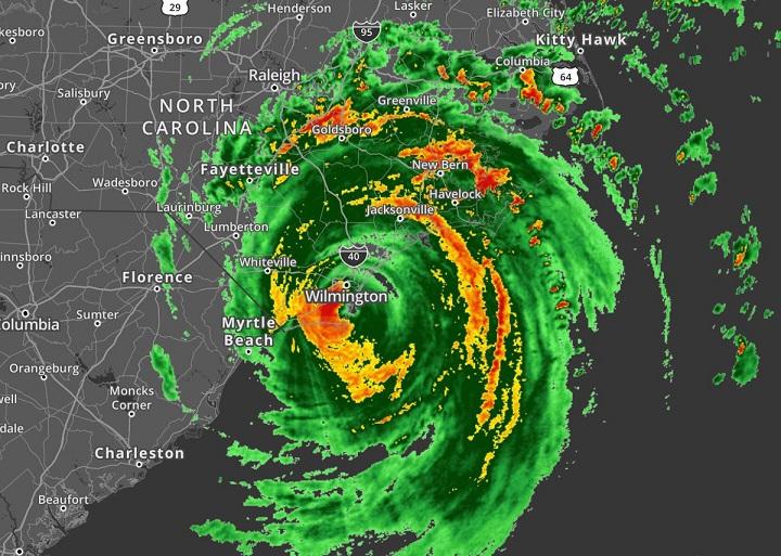 Huracán Florence, toca tierra cerca de Wrightsville Beach, Carolina del Norte, más de 300 hogares sin energía inicialmente