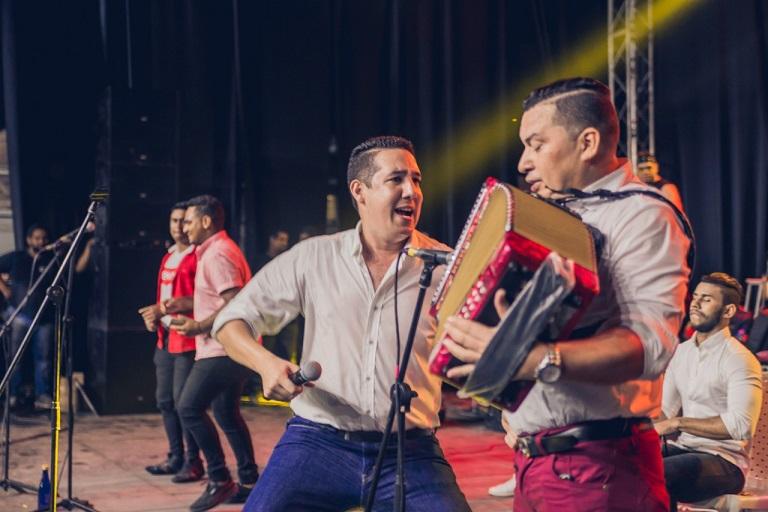 Kike Liñan y Chemita Ramos Jr se lucieron en el Festival Cuna de Acordeones de Villanueva. Preparan un nuevo tema para las fiestas de fin de año
