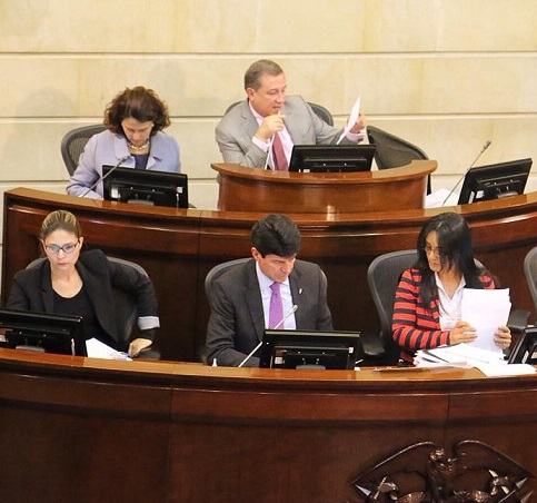 Senado aprobó Reforma Política con lista cerrada. Pasa a la Cámara para su discusión