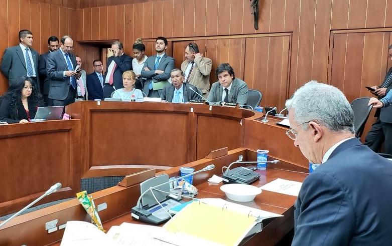 16 curules del Acuerdo entre Santos y las Farc se hundieron este martes en el Senado