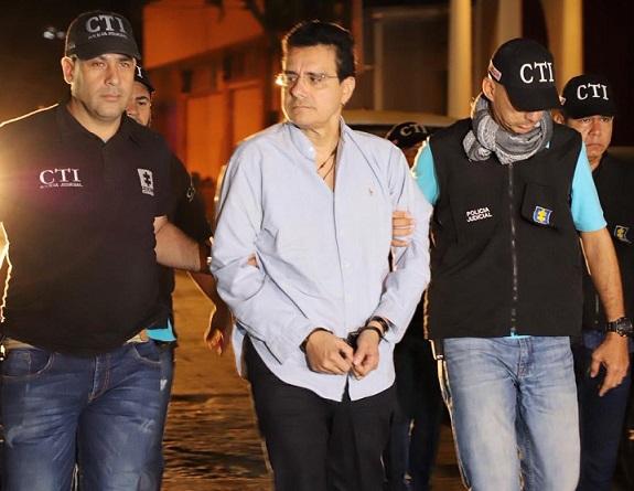 Acostumbrado a evadir la Justicia, amaneció este lunes el capturado ex rector de la Autónoma y ex columnista de la Revista Semana, Ramsés Vargas en la URI de la Fiscalía en Barranquilla