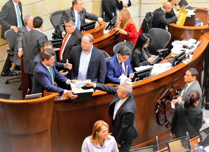 Comisiones estudian las 6 objeciones contra la JEP. Senado se aviva a impedir el presunto golpe de estado contra el presidente de la República por parte de la Corte Constitucional