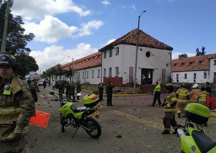 En ataque terrorista con carrobomba deja una cifra preliminar de 5 muertos y no menos de 10 heridos en la Escuela General Santánder en Bogotá