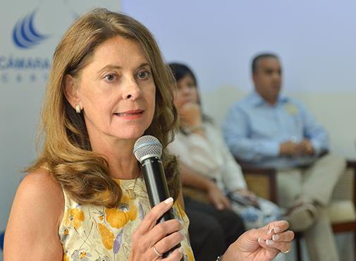 Con los gobernadores de Atlántico, Sucre y Bolívar y el alcalde de Cartagena, Vicepresidenta Marta Lucía Ramírez sobrevuela Canal del Dique este viernes