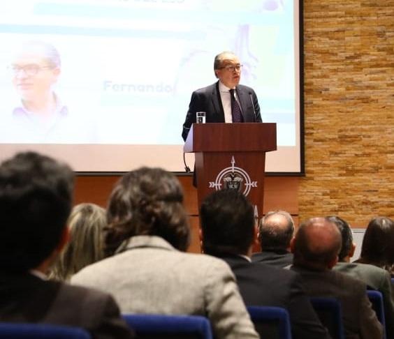 Carrillo Florez desconoce a los colombianos que mayoritariamente dijeron NO, a las Víctimas, y se atraviesa como Vaca Muerta, irrespeta las atribuciones Presidenciales