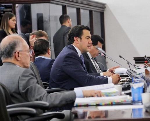 Senador Lara propone congelar en Colombia los bienes de venezolanos ligados al régimen de Maduro