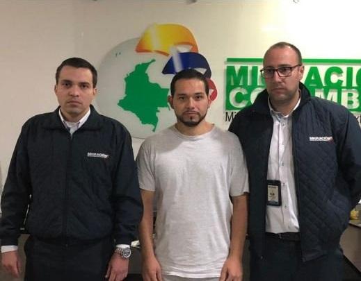 Abogado Leonardo Pinilla llegó a Colombia, y capturado a su llegada a Bogotá por el delito de concusión