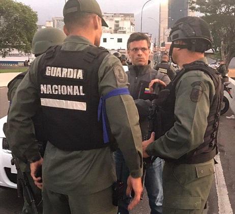 Leopoldo López, Lilian Tintori y su hija estuvieron en calidad de huéspedes en la embajada de Chile, de allí salieron hacía la embajada de España en Caracas donde permanecen