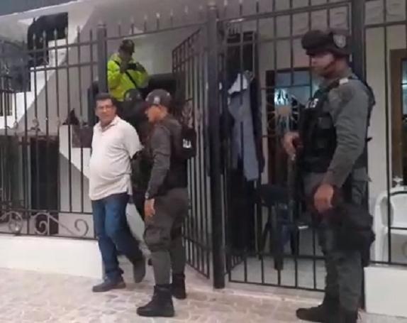 Gaula captura a periodista que estaría extorsionando a presuntos funcionarios corruptos para no publicar la noticia de corrupción