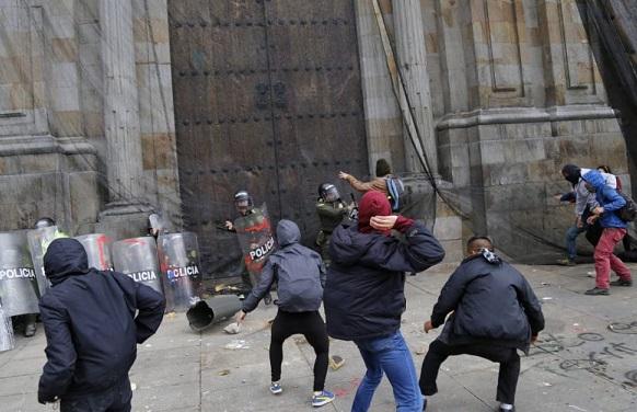 No son protestas, es vandalismo y requiere contundencia legal. Por: Duván Idárraga
