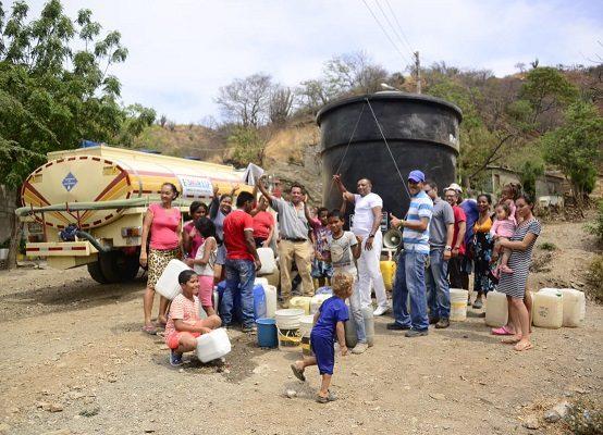 $300 mil al mes gastan los samarios de estrato 2 en agua. Con dificultad consiguen el poquito. Solicitan al nuevo alcalde buscar responsables