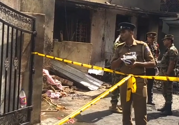 207 muertos y cerca de 500 heridos en atentados terroristas contra el catolicismo. Una bomba desactivada en el aeropuerto de la capital. 13 capturados