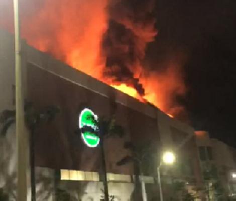 Se incendia el Día de La Madre, el Centro Comercial Buenavista II en el norte de Barranquilla