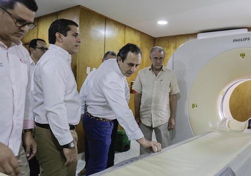 Reapertura del servicio de imagenología del Cari, muestra del avance en recuperación del hospital