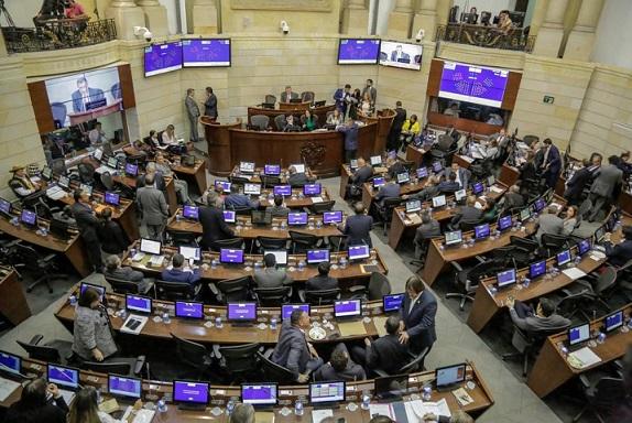 Por unanimidad, Senado da aprobación final a texto conciliador de Ley de Regiones