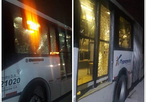 Fuertes disturbios por falta de fluido eléctrico en Soledad provocó la suspensión total del Transmetro. Dejó una persona herida y 14 buses vandalizados