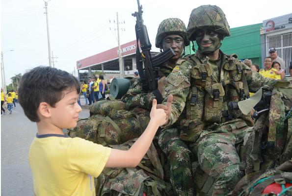 Barranquilla celebra la independencia de Colombia. El Malecón del Río epicentro del desfile militar