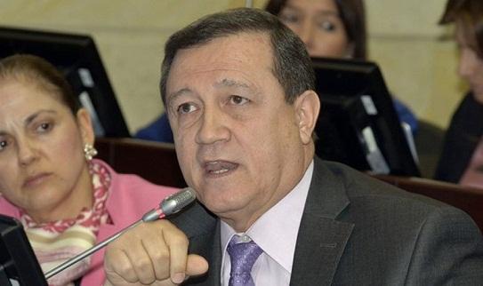 """""""Cristo usurpa autonomía del Congreso dándole órdenes a Lizcano"""":  Macías"""