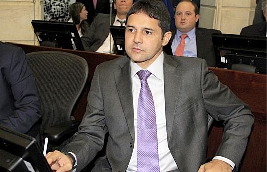 Estragos por fuertes lluvias en El Banco, Magdalena, y los corregimientos, aún sin atención: Senador Henríquez