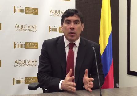 El Congreso materializa la dictadura en Colombia: Álvaro Hernán Prada