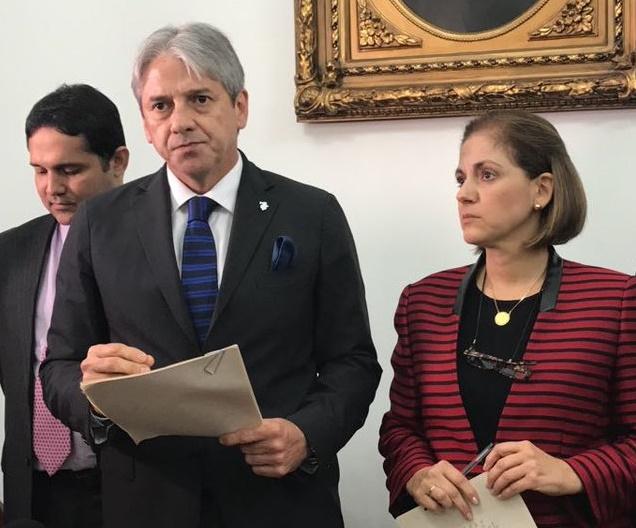 Uribistas insisten en rebaja de pena a delitos menos graves que los cometidos por las Farc: Radicaron proyecto