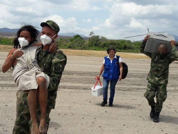 familia-kogui-evacuada-de-la-zona-2