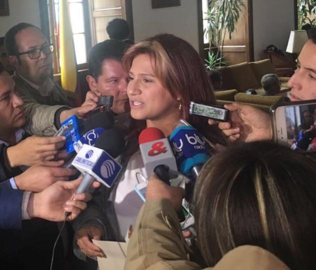 Paola Holguín, única Senadora en firmar la carta que va para EEUU: Santos no mienta más ni persiga a la oposición