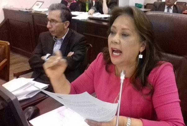 Gloria Stella Díaz autora de la ley de Feminicidio, propone ley para identificar a los agresores de mujeres