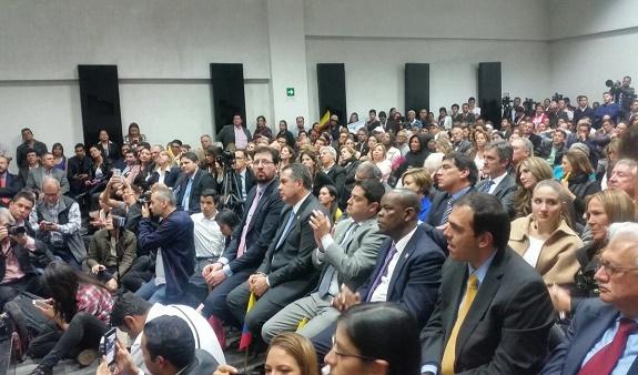 Senado rechazó proposición de Claudia López por populista: Centro Democrático la desmiente, López hace populismo con la tragedia de Mocoa