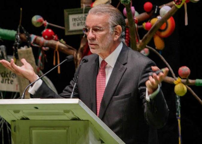 """Momento de la ponencia """"La ciudad: del problema a la solución"""", enmarcada en el SOCC 2017"""