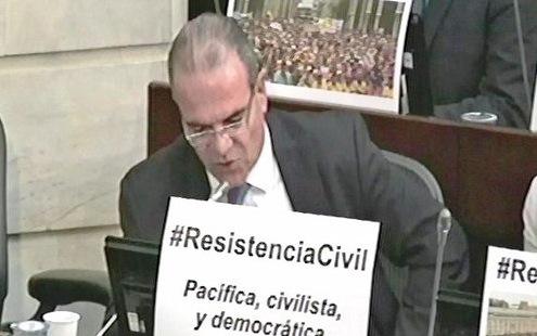 senador-carlos-felipe-mejia