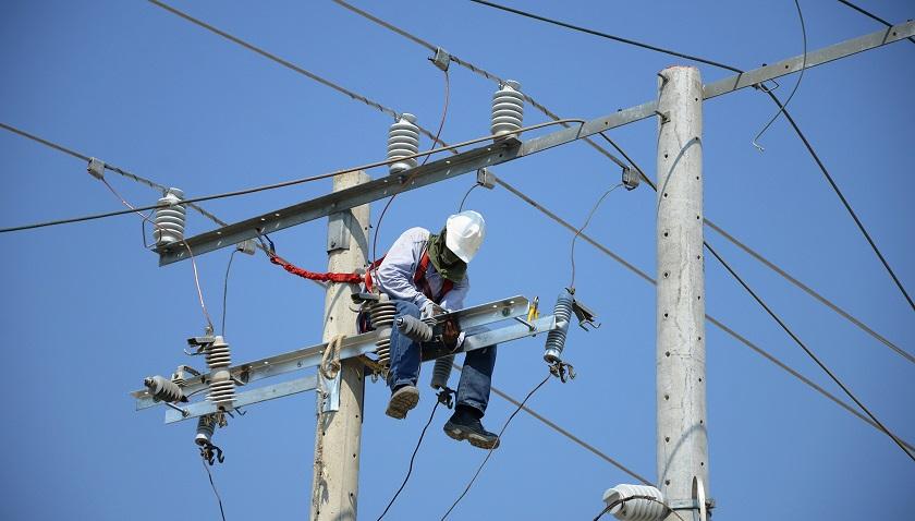 electricaribe-trabajo-de-redes