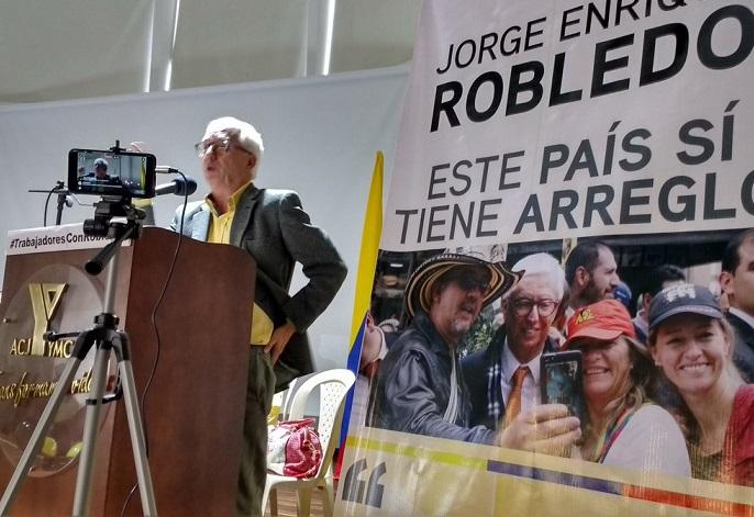 Robledo en campaña estuvo en Encuentro Nacional de líderes sindicales y de pensionados en Bogotá