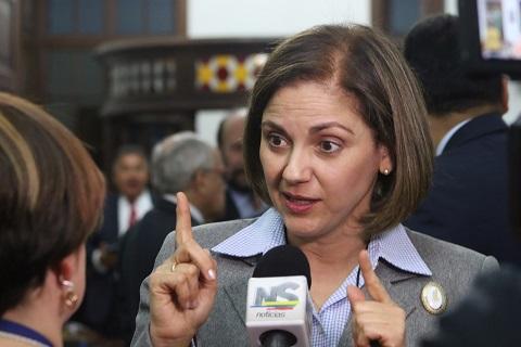 Dineros de extinción no pueden utilizarse para administrar bienes de Farc: María del Rosario Guerra