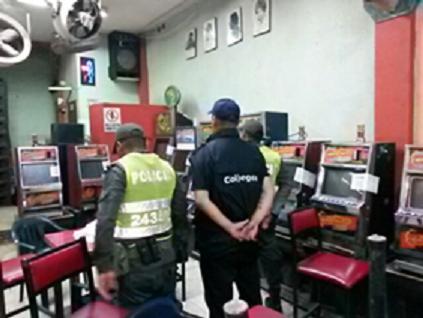 Coljuegos y Policía intervinieron siete negocios de juegos de suerte y azar que operaban ilegalmente y retiraron 230 elementos que operaban sin autorización