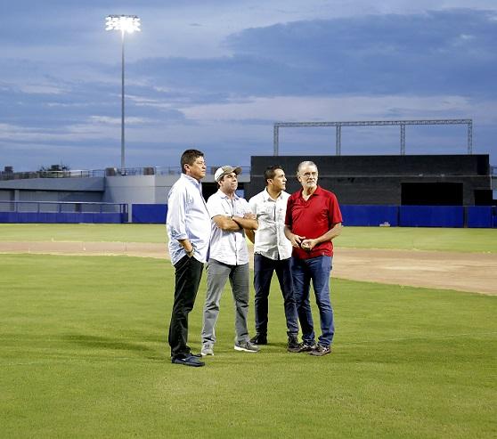 estadio-de-beisbol-003