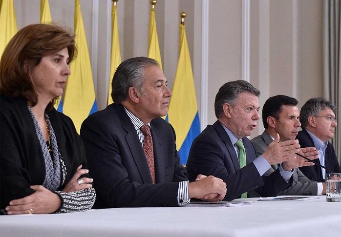 Que no nos vengan a decir ahora los detractores que la implementación de los acuerdos de paz está fracasando, expresó este lunes el Presidente Santos al terminar una reunión del Gabinete de Posconflicto.