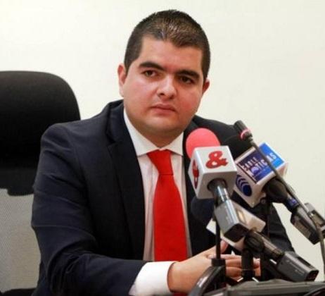 Por presunto fraude para alcanzar su título profesional Procuraduría formuló cargos al senador Julián Bedoya