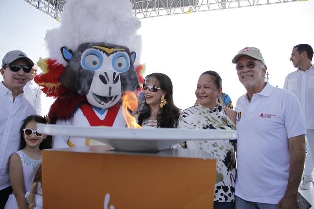 Antorcha de los Centroamericanos inicia con Carlos Bacca en Puerto Colombia su recorrido este domingo por la zona costera del Atlántico