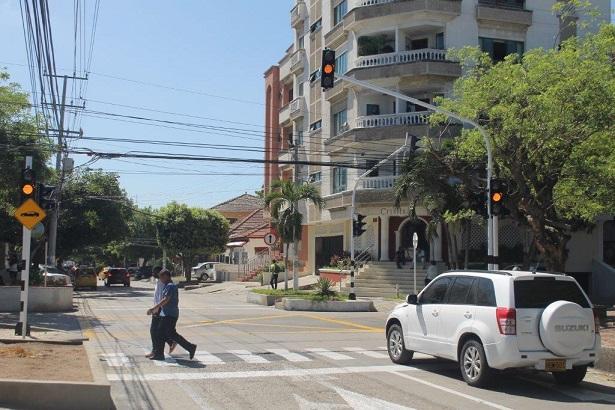 semaforo-calle-64-con-kra-47