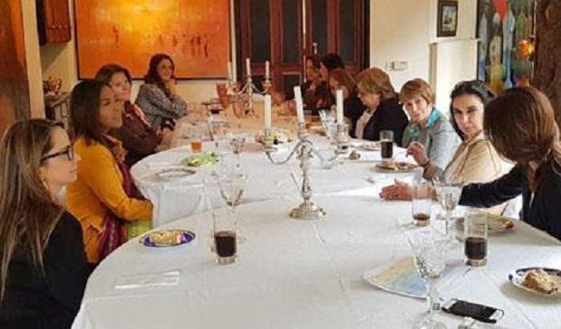 vice-con-mujeres-del-gabinete