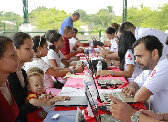 jornada-de-registro-a-colombianos-retornados-de-venezuela-en-campo-de-la-cruz-6