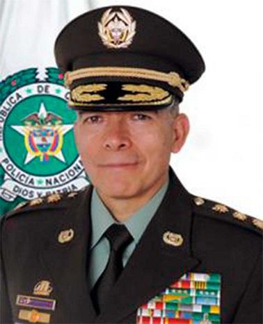 Director de la Policía Nacional, mayor general Oscar Atehortúa Duque