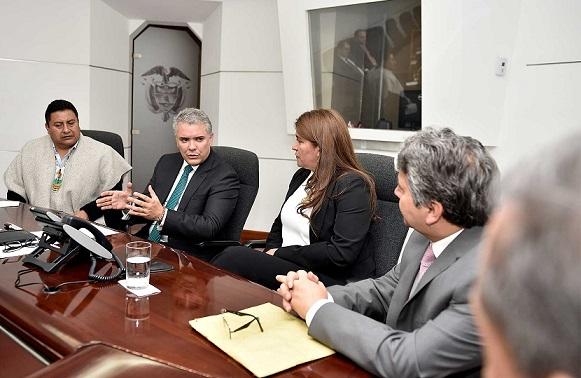 El Presidente se reunió con los congresistas de Nariño Liliana Benavides, Bérner Zambrano y Manuel Viterbo Palchucán, a quienes les reiteró la voluntad de diálogo con las comunidades indígenas.