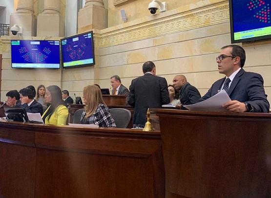 senador-santiago-valencia-1
